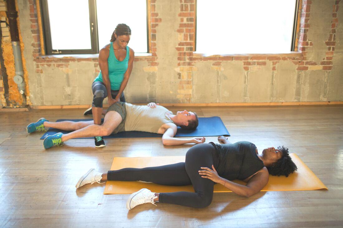 thai yoga stretching navina